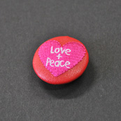Asobi Button Love & peace